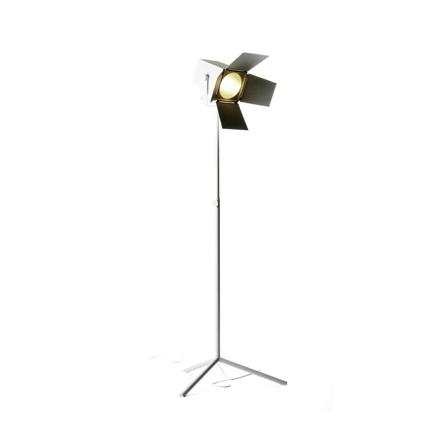 Foto golvlampa stor ZERO belysning Köp hos Vision of Home se Design med Fri frakt
